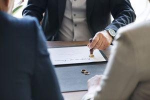 signing of divorce agreement